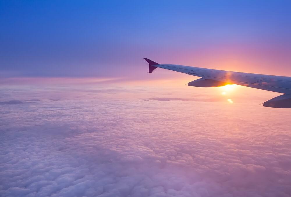 https://edge.ixigo.com/img/bg/home_flights_bg_2.jpg
