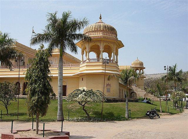 Places To Visit Near Around Kanak Vrindavan Garden Jaipur With Map Ixigo Trip Planner