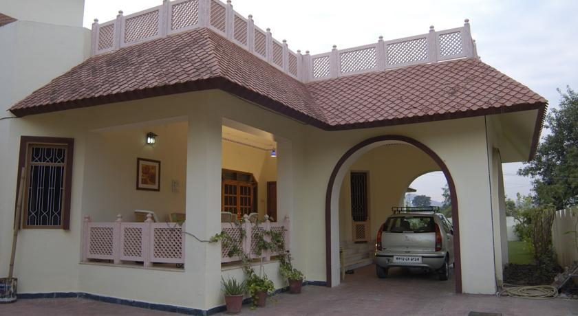 Udaipur Hotels 3 Star 3 Star Hotels near the...