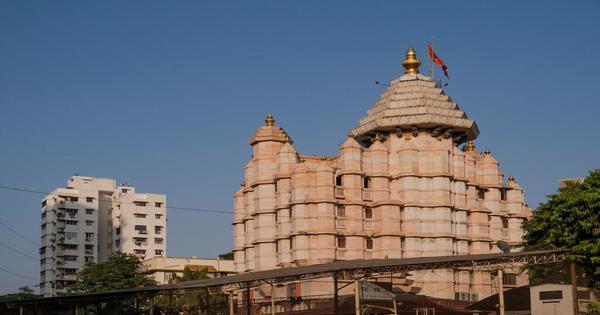 Nearest Railway Station to Siddhivinayak Temple mumbai